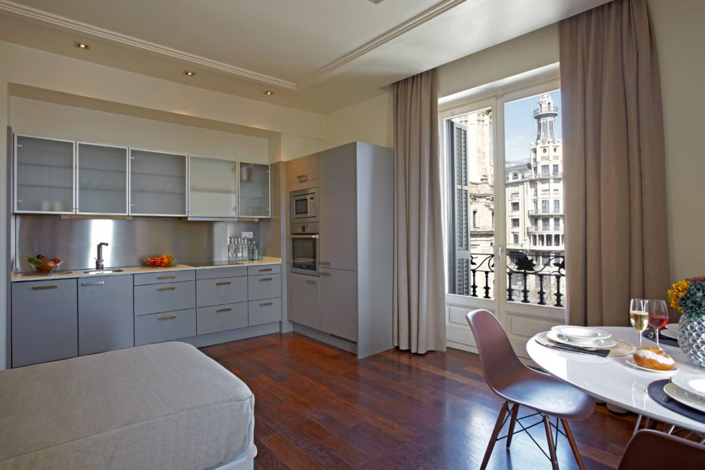 Duquesa Suites is a baby-friendly Barcelona hotel near the Old Port