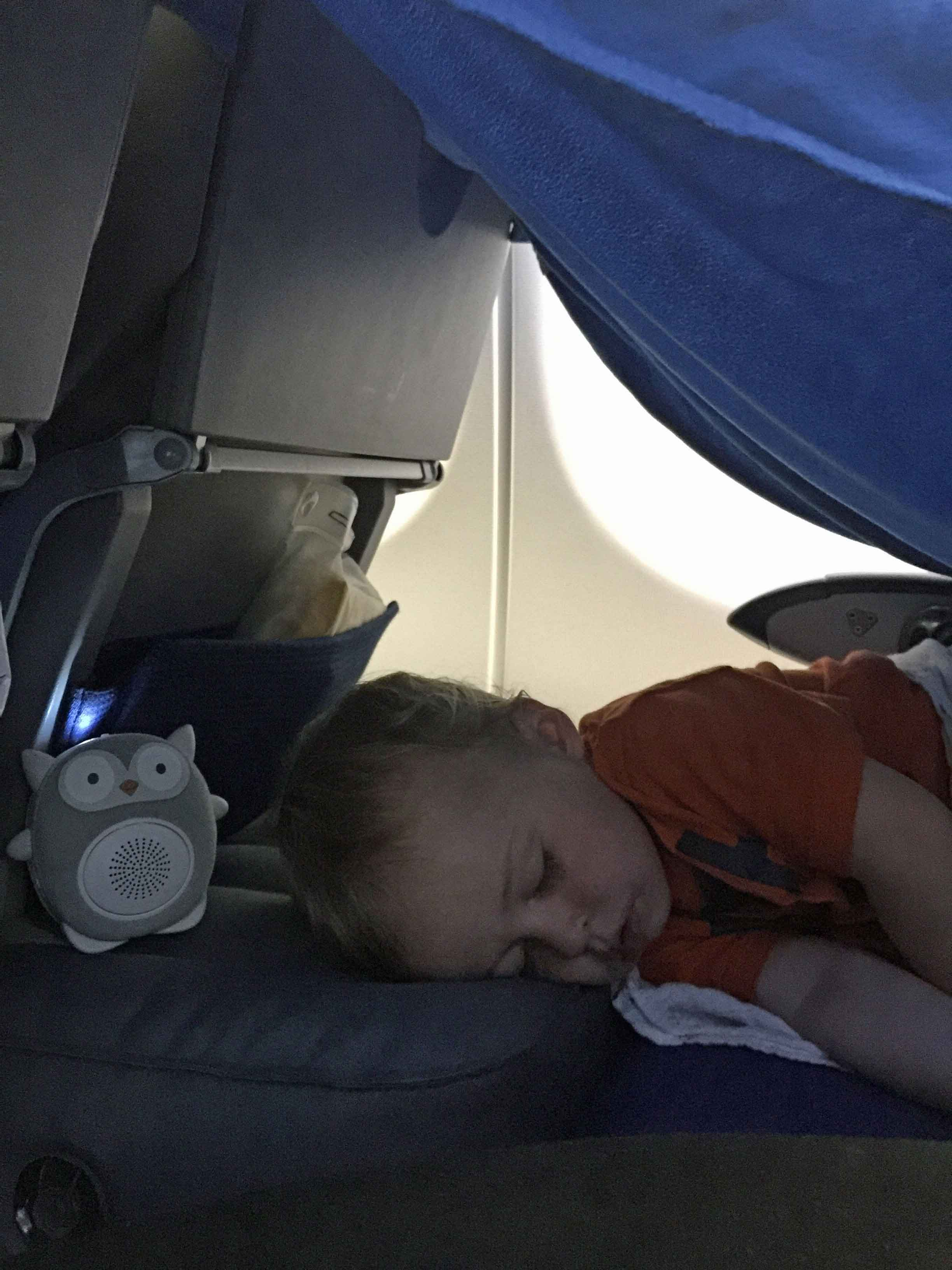Baby-Can-Travel---Fly-Tot-Review---Inflatable-Travel-Bed-Baby-Sleeping-Flight-From-Norway-1