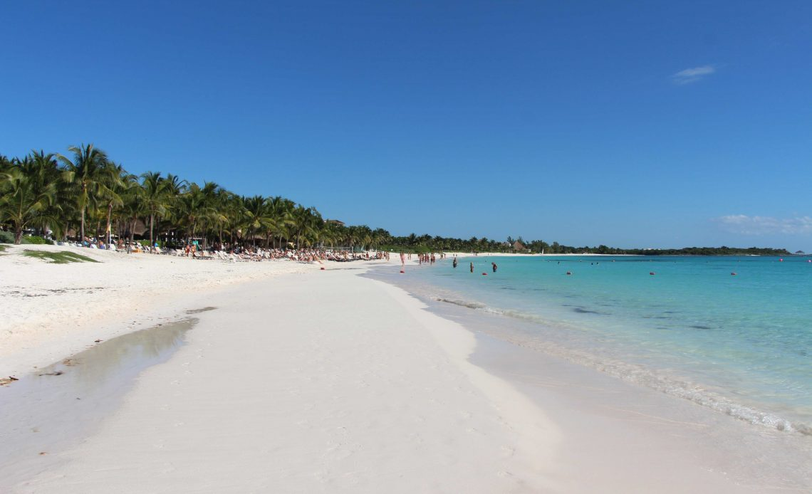 Baby friendly beaches in Mayan Riviera
