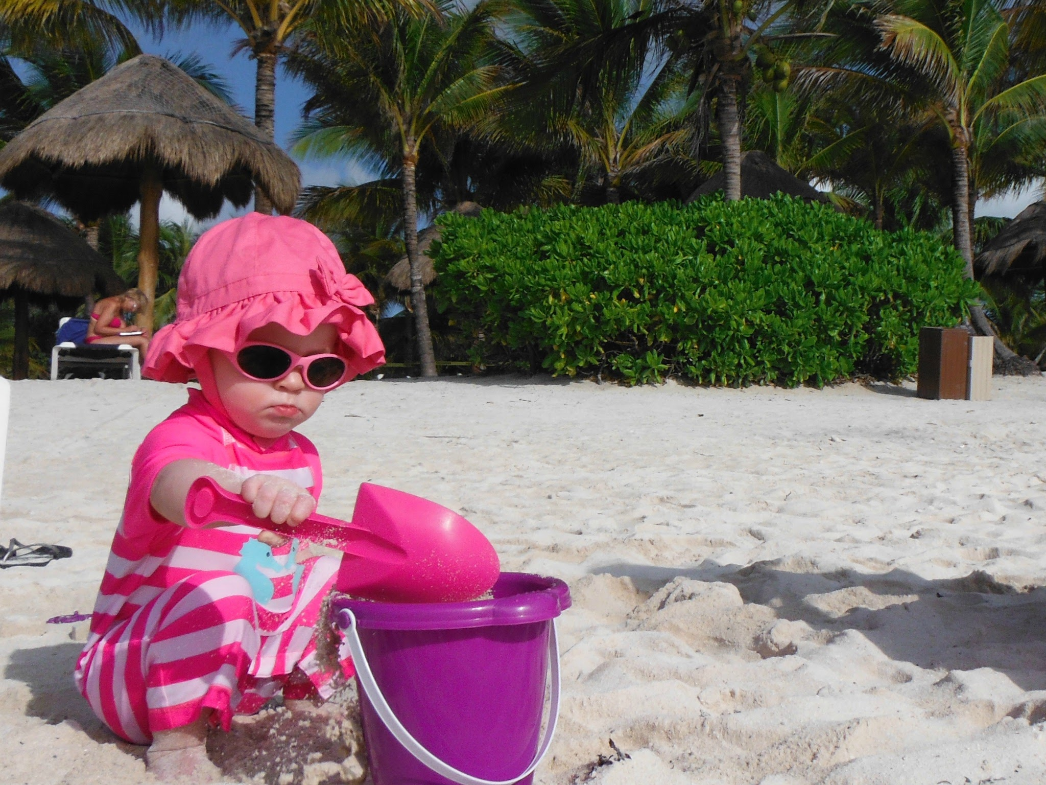 Beach vacation with baby - sun safety