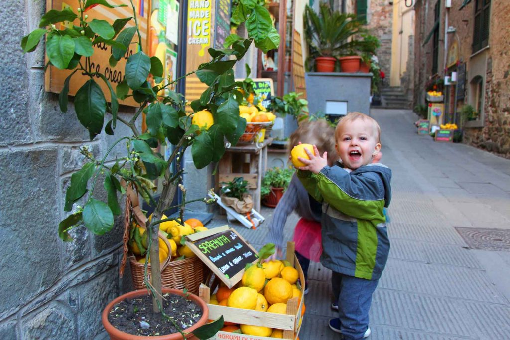 Exploring the streets of Corniglia with a toddler can be a really fun thing to do