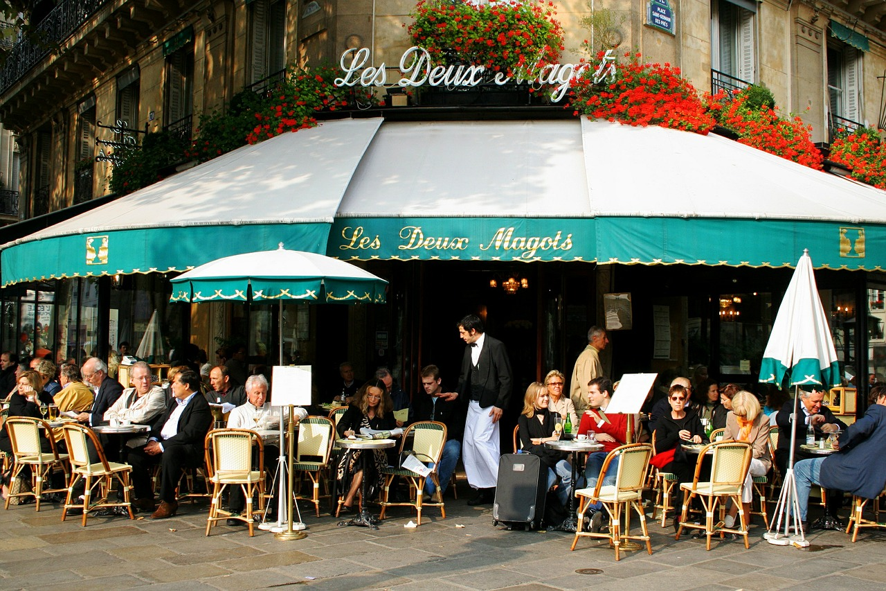 Paris Cafe with a baby or toddler