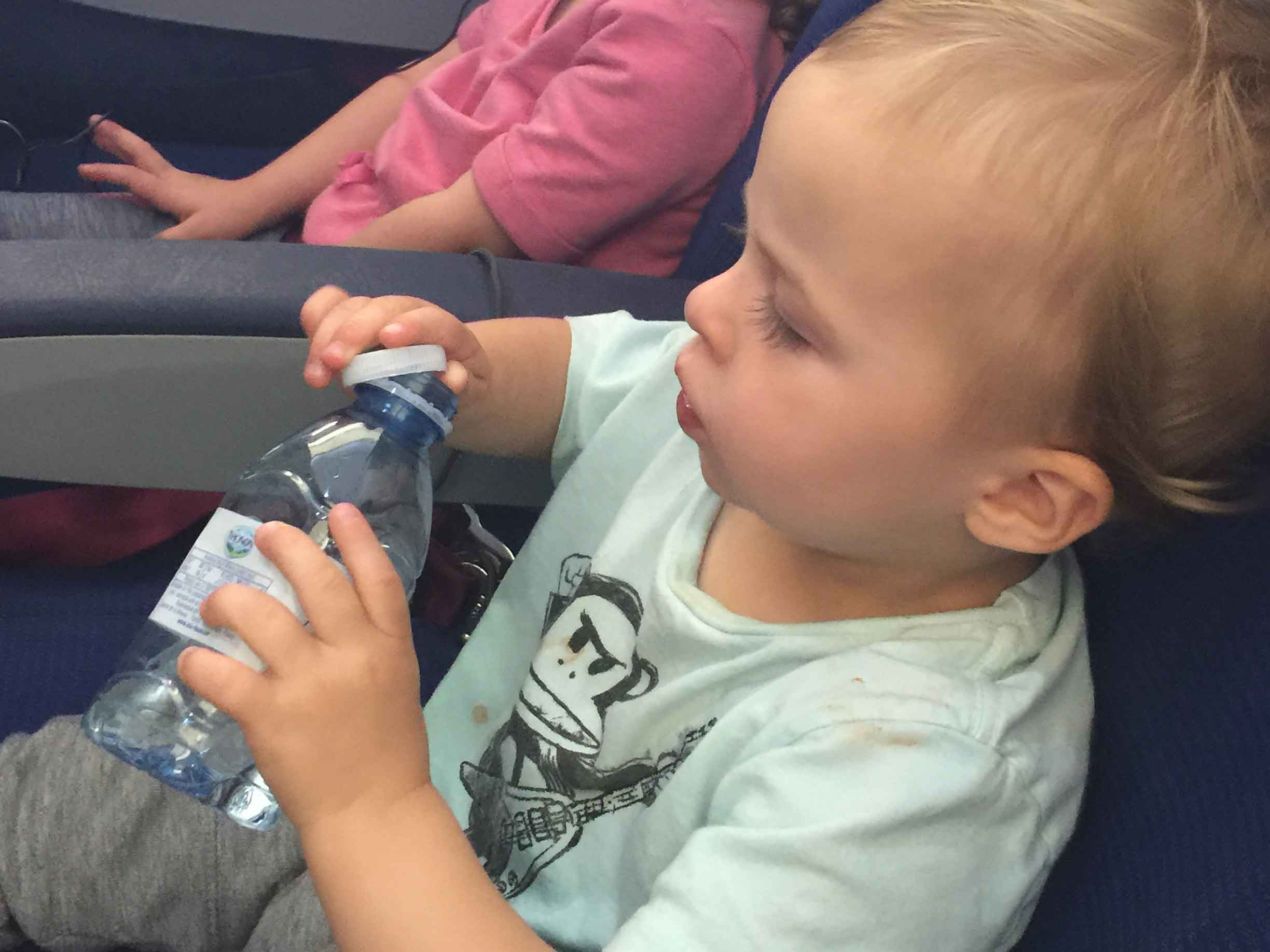 how to keep toddler busy on flight