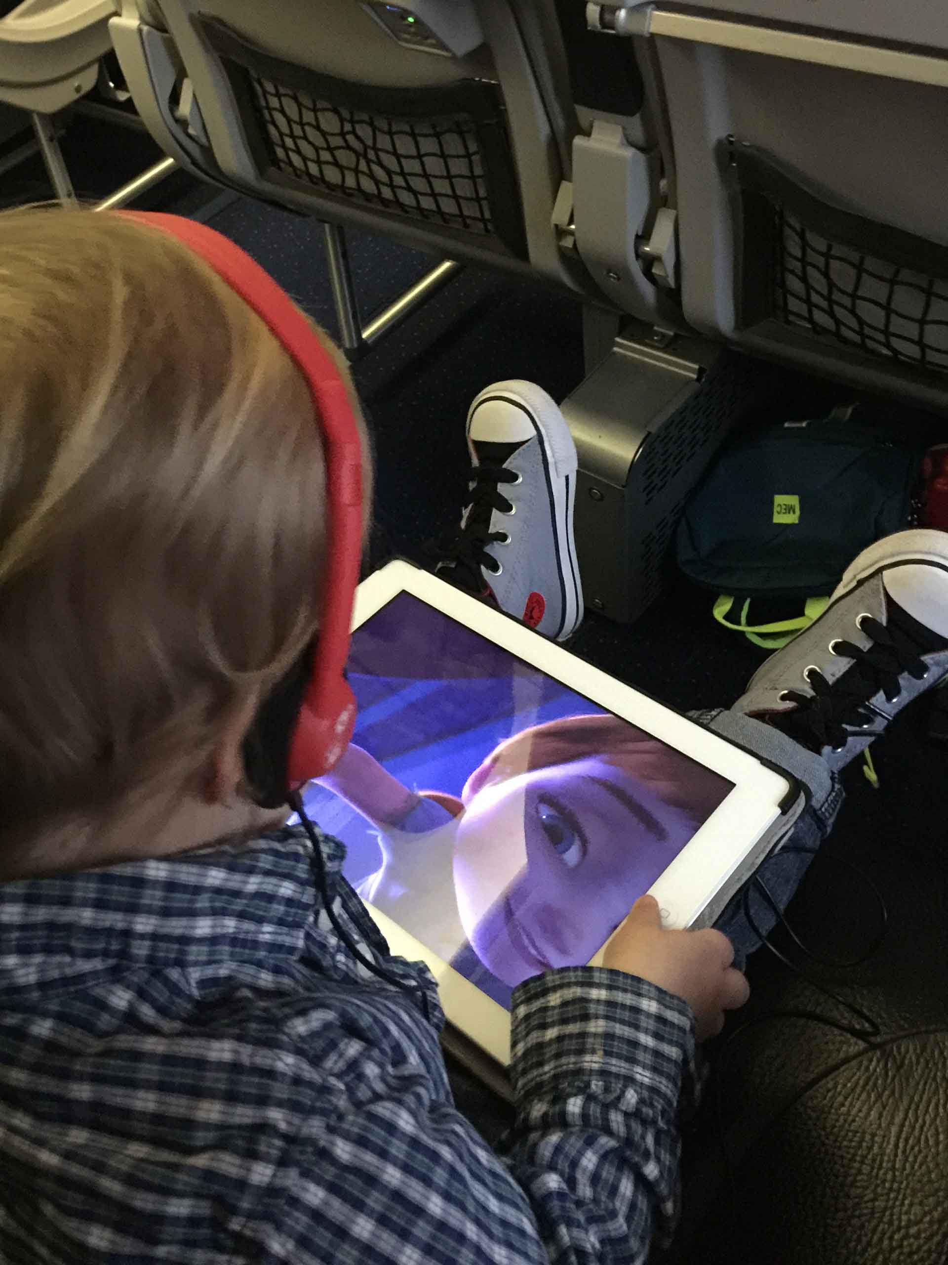 airplane travel with toddler