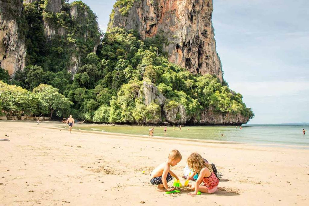 Family Friendly Beaches in Thailand - best places for toddler vacation
