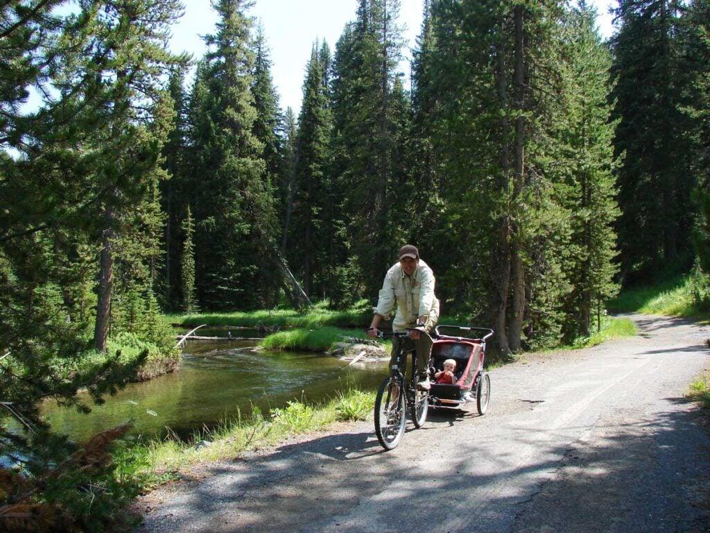 Lone Star Geyser Trail in Yellowstone NP