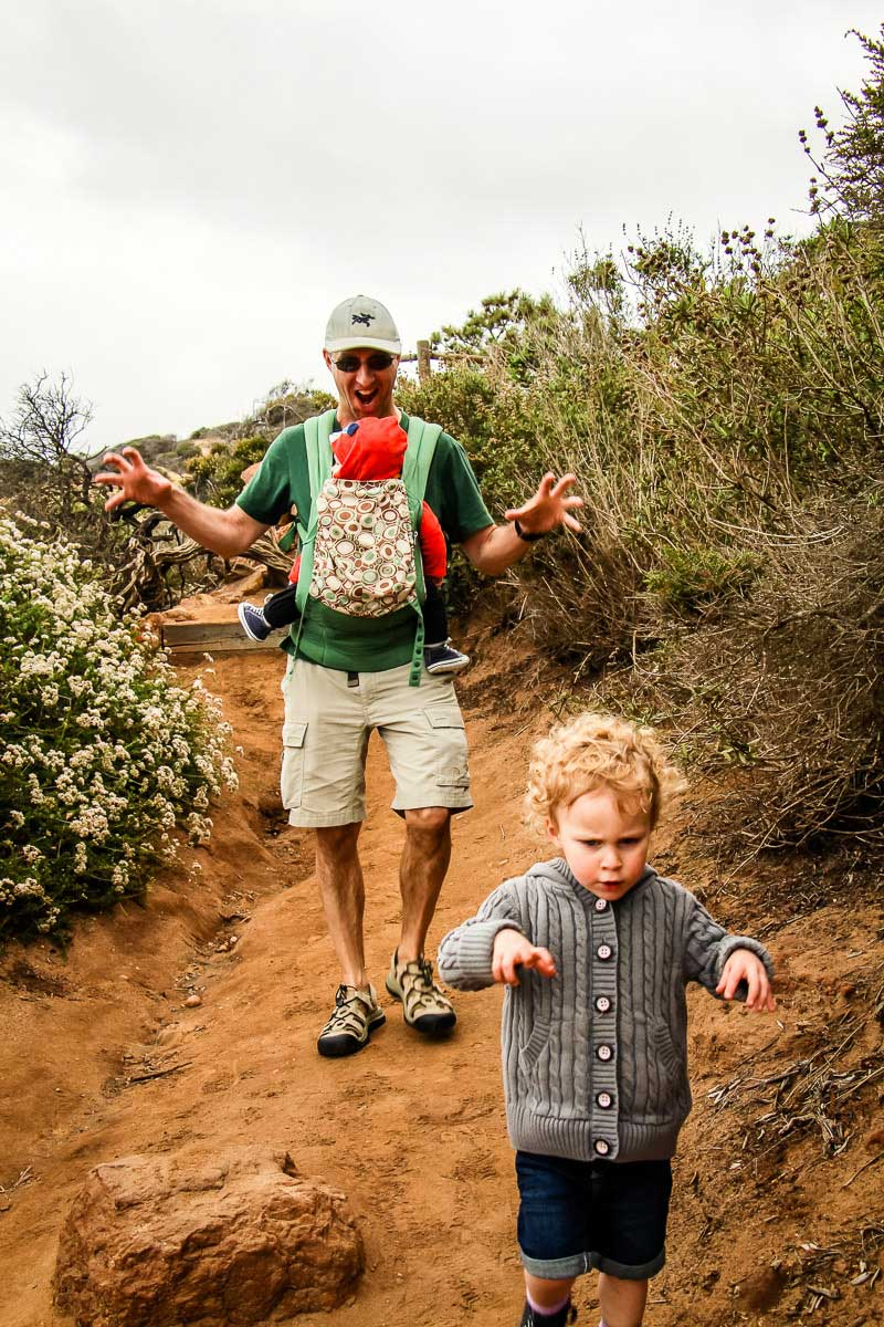 hiking games to play with toddlers