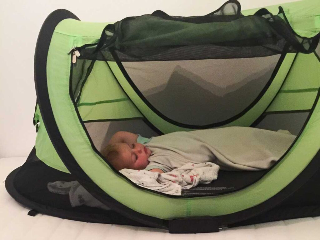 toddler travel bed to help toddler sleep on vacation
