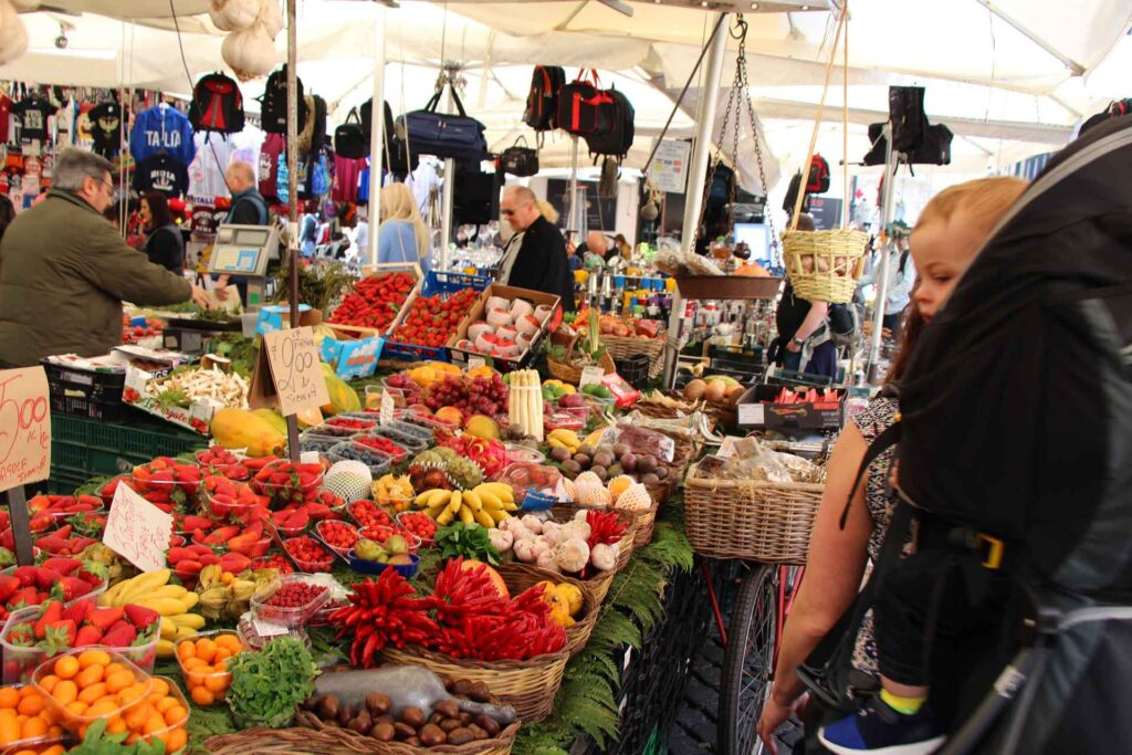 A visit to Campo de' Fiori is a wonderful sensory experience in Rome with a baby