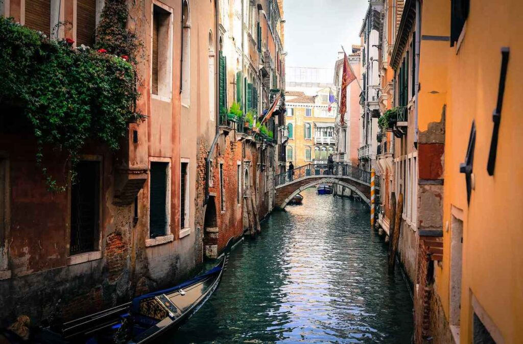 A romantic ride along the canals may be a challenge when visiting Venice with baby, but don't worry there are other amazing things to do with a baby in Venice