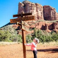 easy sedona hikes web story cover