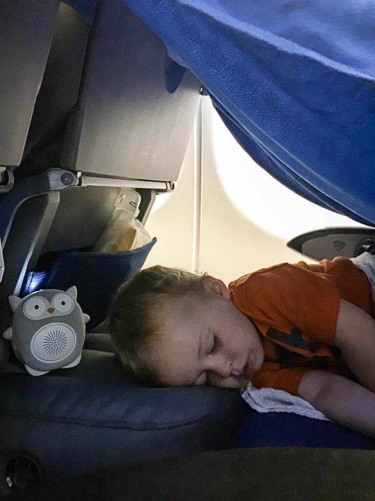 using white noise machine for baby on airplane