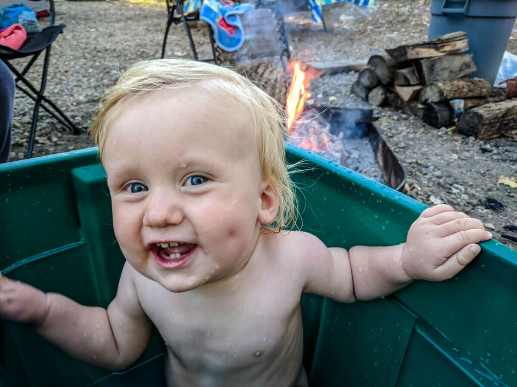 parent hack for bathing a baby when camping